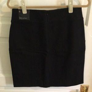 Banana Republic Skirts - NWT Banana Republic black pencil skirt size 8